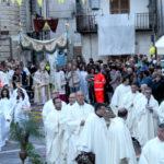 Corpus Domini. Perchè Gesù nelle strade? Il senso di una processione