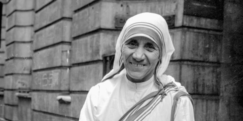 """Eccezionale Madre Teresa di Calcutta. Su Tv2000 il docufilm """"La Madre dei  XQ43"""