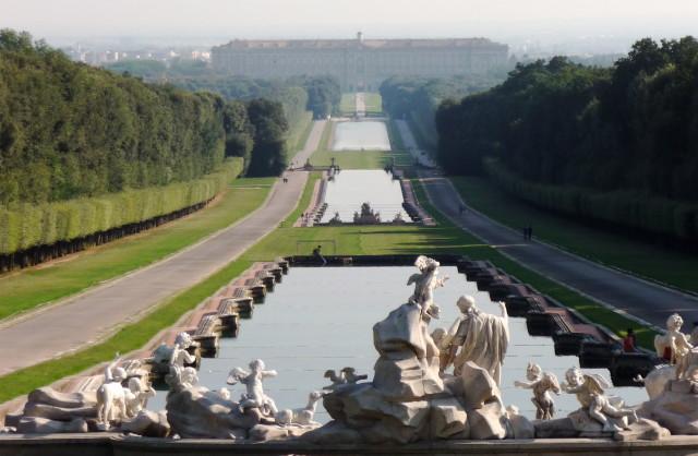 Reggia di caserta aperto a pasquetta il parco del sito borbonico clarus - Reggia di caserta giardini ...